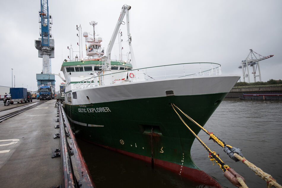 """Das irische Forschungsschiff """"Celtic Explorer"""" wird beladen. (Archivbild)"""