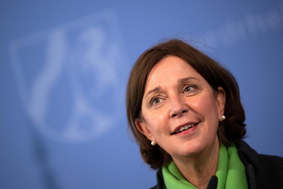 NRW-Schulministerin Yvonne Gebauer (54, FDP) verkündete die Nachricht am Donnerstag.