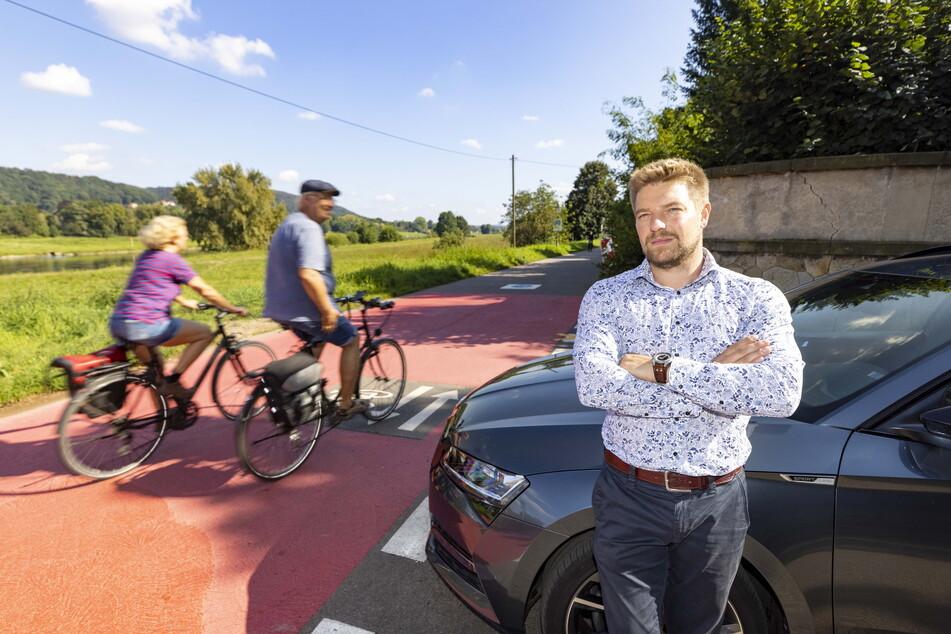 Weiter geht's nicht: Anwohner Franz-Josef Straßner (33) darf aktuell nicht zu seinem Haus fahren.
