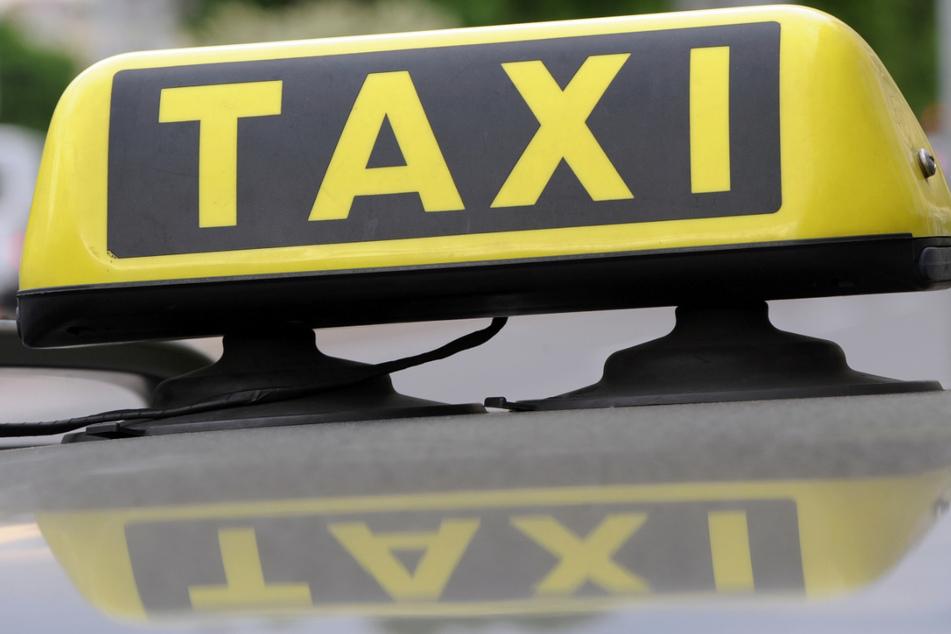 Die Taxifahrer sollen jetzt finanzielle Unterstützung bekommen. (Symbolbild)