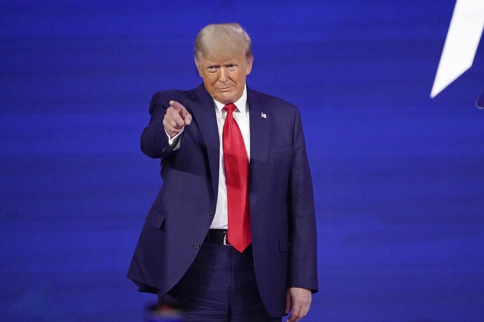 Donald Trump (74) liebt die Öffentlichkeit. Auch nach seinem Amtsende zeigte er sich politisch aktiv, besuchte im Februar eine Veranstaltung konservativer Aktivisten.