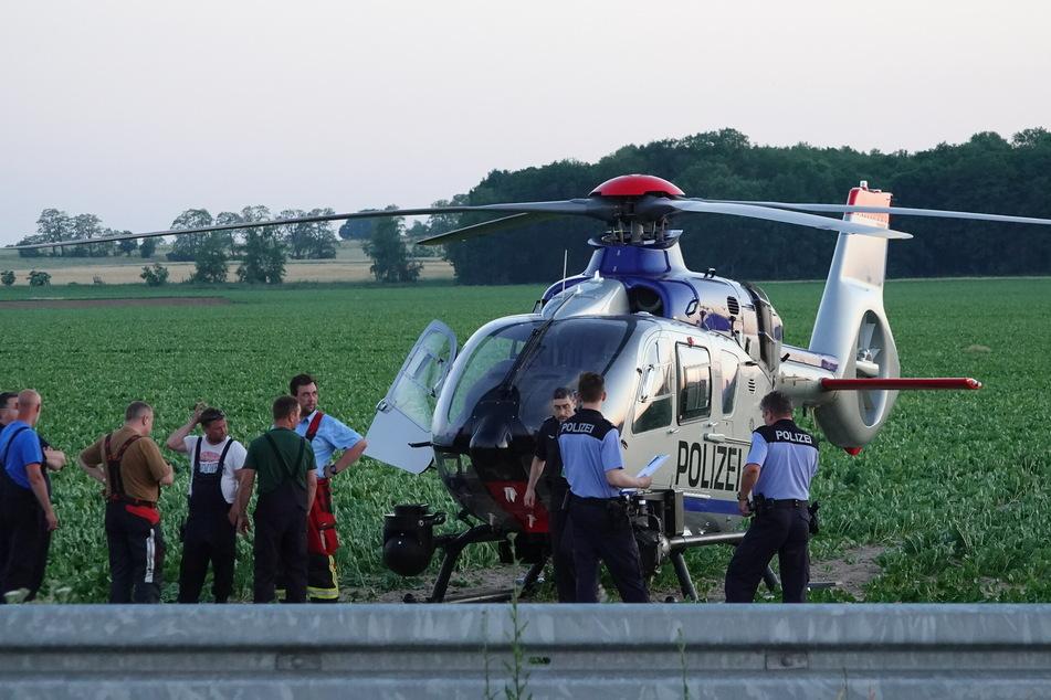Auch die Polizei war mit einem Hubschrauber vor Ort.