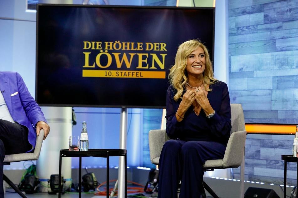 """Familienunternehmerin Dagmar Wöhrl (67) testet in der neuesten Folge von """"Die Höhle der Löwen"""" etliche Produkte."""