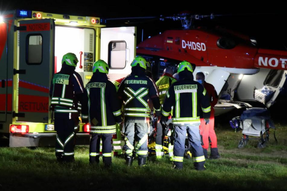 Audi kracht gegen Baum: Schwerverletzter mit Hubschrauber in Krankenhaus geflogen