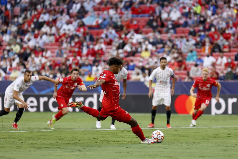Das deutsche Talent scheiterte als Erster von vier Elfer-Schützen. Trotzdem bereitete er der spanischen Abwehr enorme Probleme.