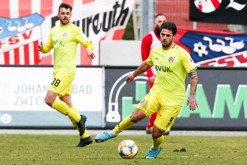 Dominic Baumann (26, r.) konnte den Abstieg des FC Würzburger Kickers nicht verhindern, hat seine Fähigkeiten in der 3. Liga aber schon oft genug unter Beweis gestellt.