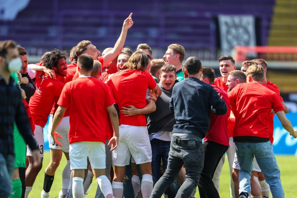 Der FC Ingolstadt 04 stieg über den Umweg Relegation in die 2. Bundesliga auf und darf sich auf eine Saison in einer bärenstarken Spielklasse freuen.