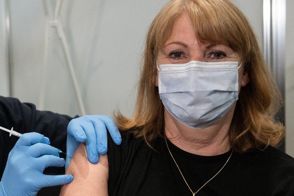 Gehört ebenfalls zu den Geimpften: Sachsens Gesundheitsministerin Petra Köpping (62, SPD).