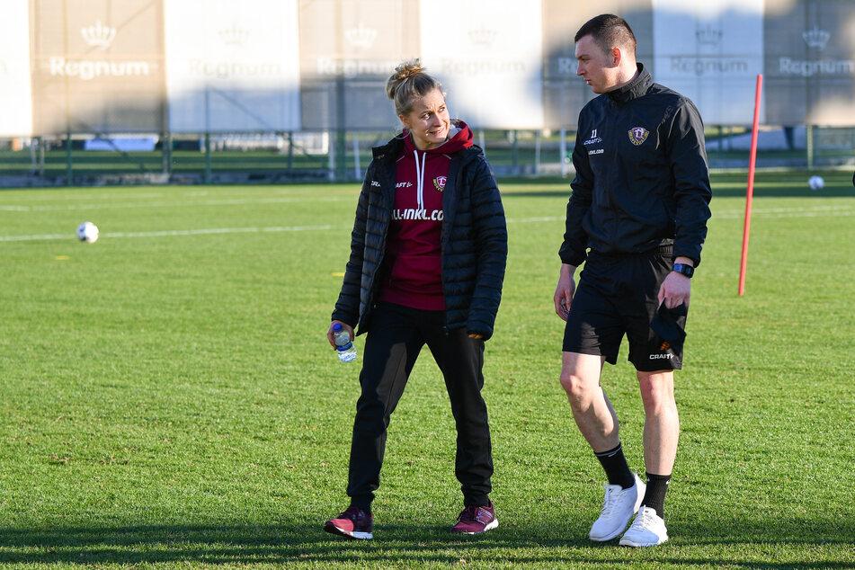 Ernährungsberaterin Dr. Wiebke-Maria Schlusemann (30, l.) mit dem ehemaligen Offensivspieler Haris Duljevic (27) im Dynamo-Trainingslager 2019 in Belek/Türkei.