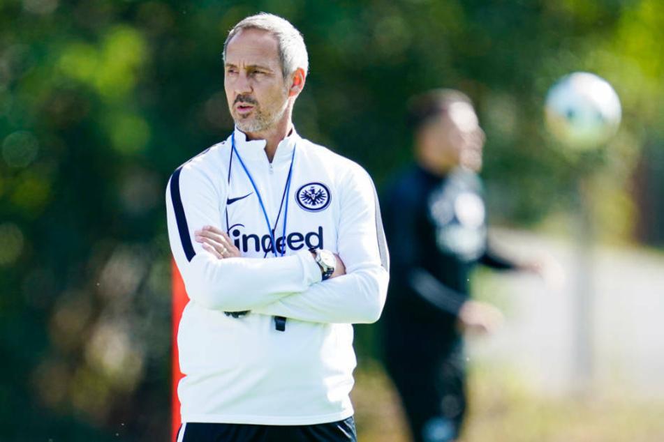 Trainer Adi Hütter und die Kicker von Eintracht Frankfurt haben das erste Training nach der Quarantäne genossen (Archivbild).