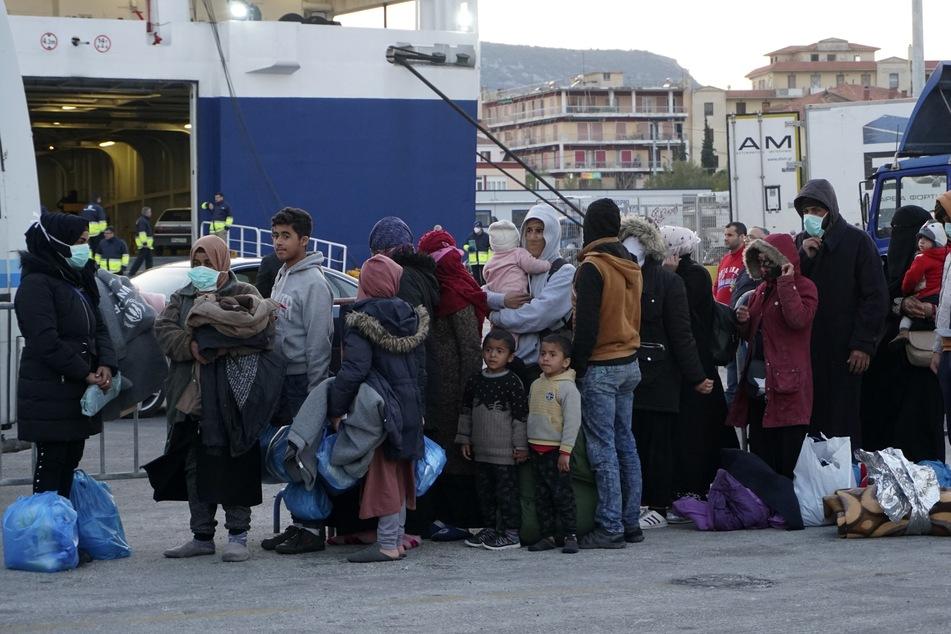 Athen bringt Migranten zum Festland:Pro Asyl warnt wegen Corona