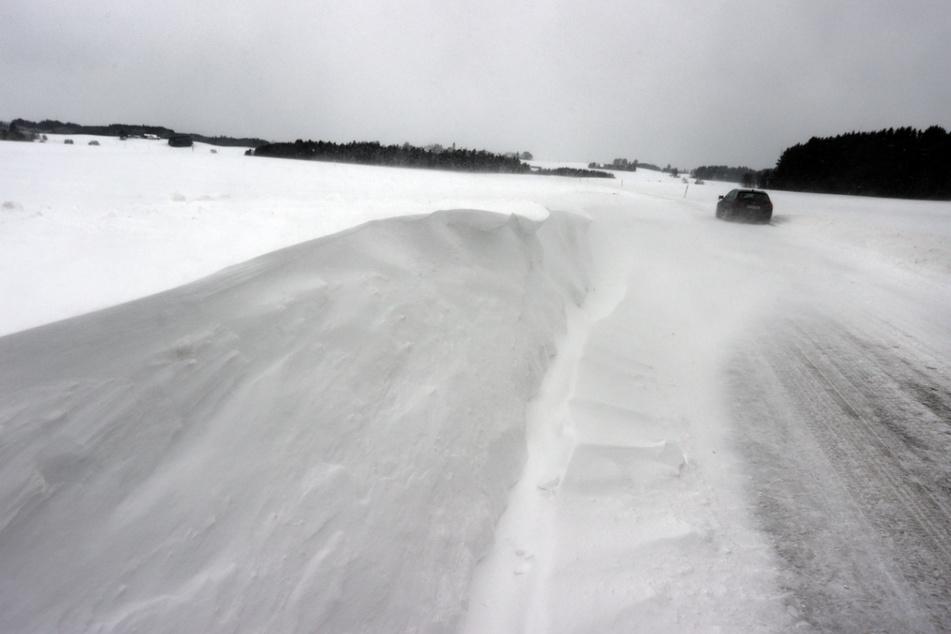 Schnee-Chaos in Niederbayern: 80 Unfälle in 24 Stunden