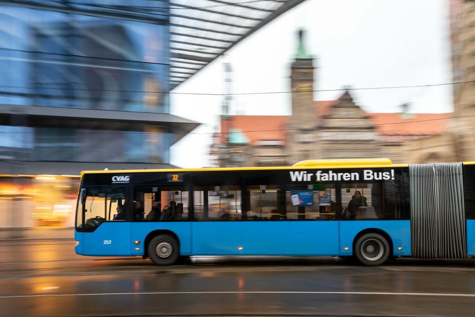 Durch den Wasserrohrbruch kommt es zu Umleitungen der Buslinien 62 und 72 (Archivbild).