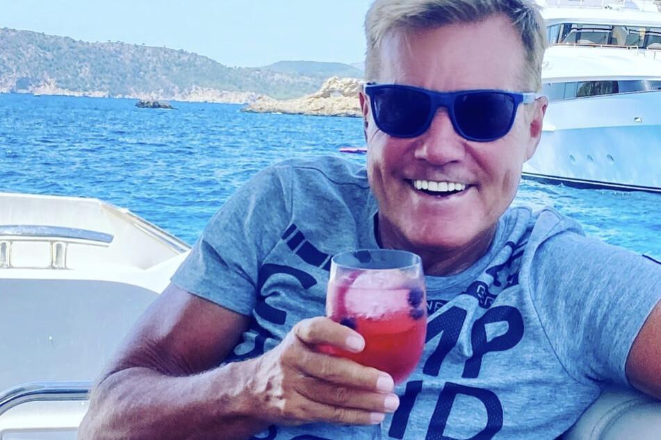 Poptitan Dieter Bohlen (66) auf einem Boot vor Mallorca.