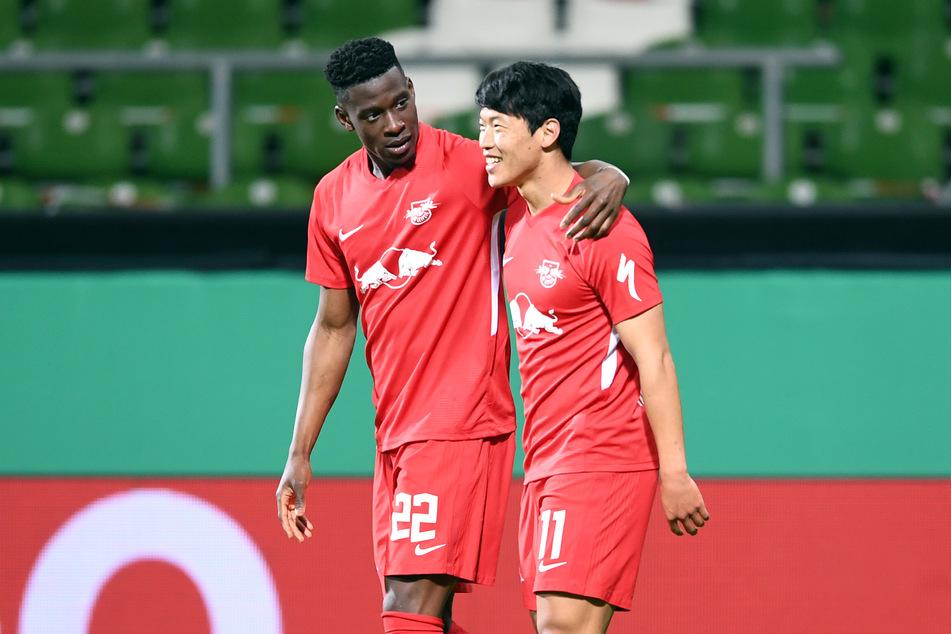 RB Leipzigs Nordi Mukiele (23, l.) und Hee-chan Hwang (25) sind momentan beide angeschlagen.