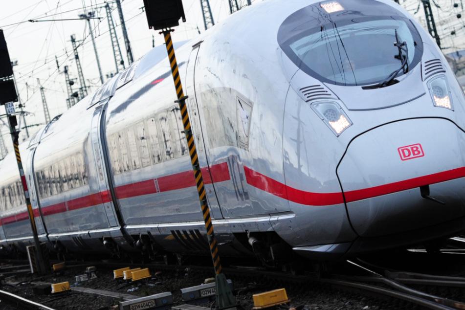 Wegen Notarzteinsatz: ICE-Strecke Köln-Frankfurt gesperrt
