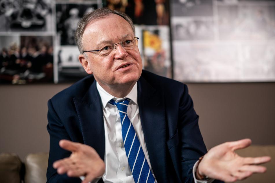 Stephan Weil (62, SPD), Ministerpräsident von Niedersachsen, während eines Interviews.