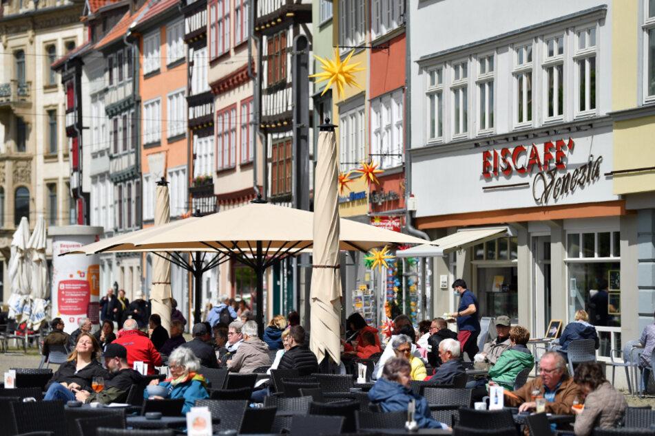 Niedrige Inzidenzen, offene Restaurants, keine weiteren Todesfälle: Die Entwicklung der Corona-Situation in Thüringen ist erfreulich. (Symbolbild)