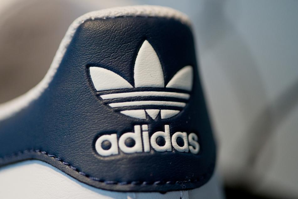 Adidas kann trotz der Corona-Krise knapp 291 Millionen Euro an Gewinnen vermelden.
