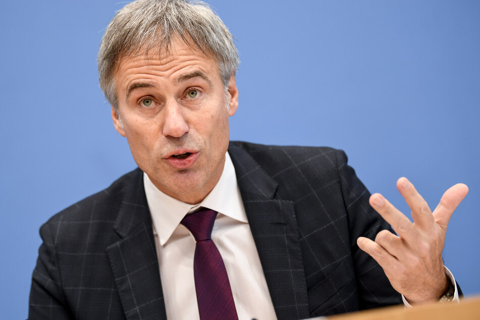 """Achim Berg (57, Präsident Bitkom) hat eine deutliche Verbesserung des Corona-Impfmanagements in Deutschland gefordert. Am Montag ist er live im MDR bei """"FAKT IST!""""."""