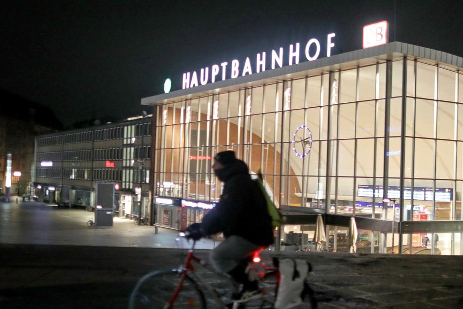 Köln: Hilfeschreie am Kölner Hauptbahnhof: Polizei nimmt zwei Jugendliche (15 und 17) fest