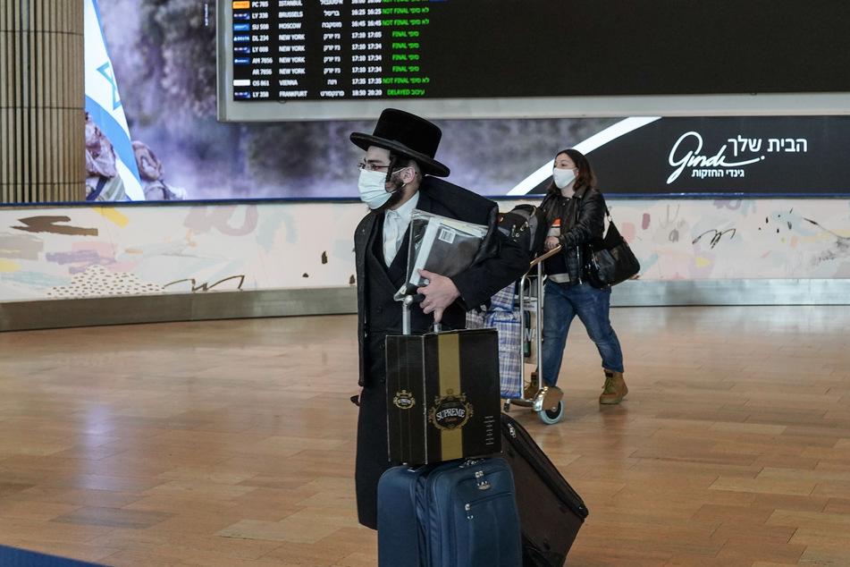 Der Flughafen in Tel Aviv. Reiserückkehrer aus Ländern mit hohen Inzidenzen müssen in Israel in die Quarantäne. (Archivbild)