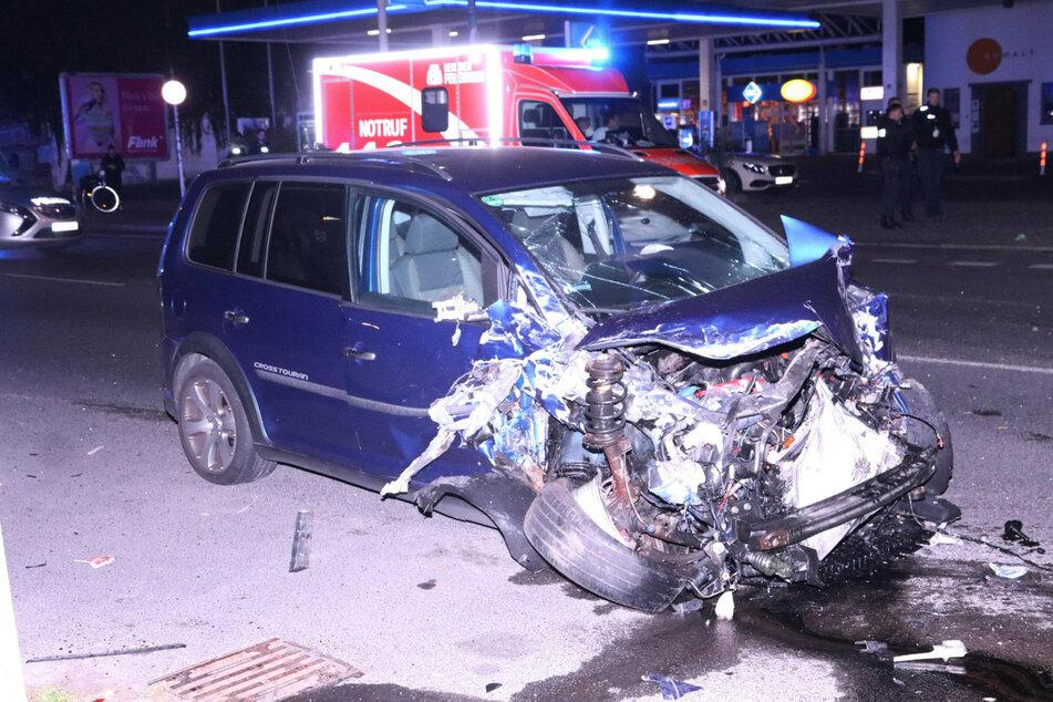 Schwerer Raser-Crash nahe Kreuzberger Party-Kiez: Suff-Fahrer kracht in mehrere Autos