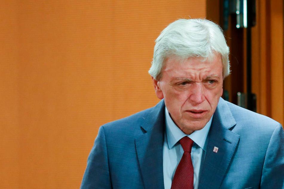 Volker Bouffier warnt davor, Polizei pauschal in rechtsextreme Ecke zu stellen