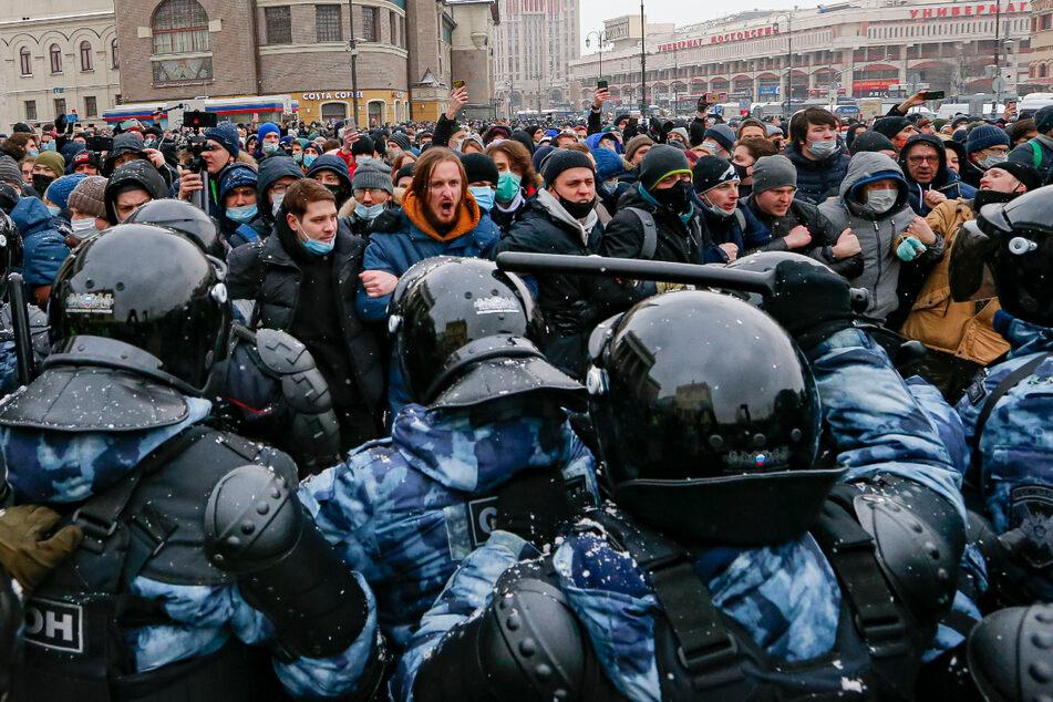 """Tausende Festnahmen bei Protesten für ein """"Russland ohne Putin"""""""