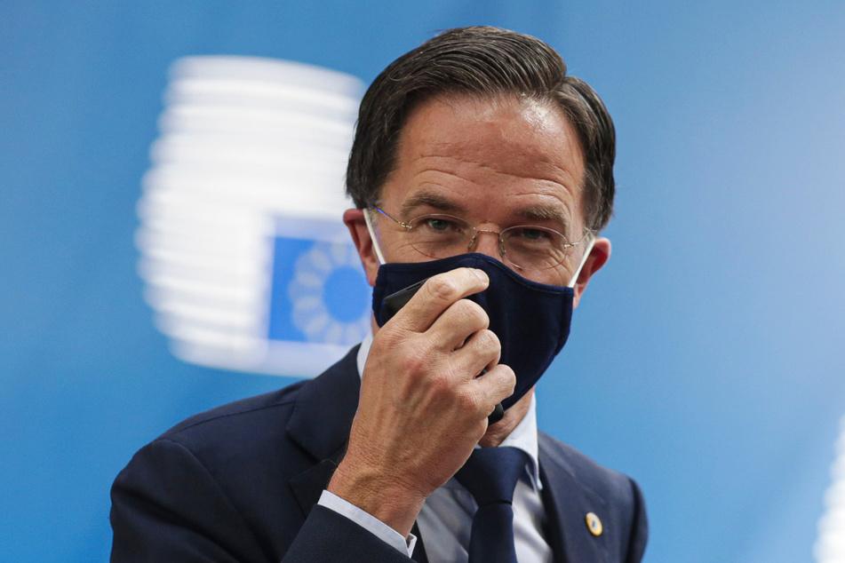 20.07.2020, Belgien, Brüssel: Mark Rutte, Premierminister der Niederlande, trifft zum EU-Gipfel ein. Der Sondergipfel der 27 Staats- und Regierungschefs der Europäischen Union zu dem milliardenschweren Finanzpaket im Kampf gegen die Corona-Krise ist erneut in die Verlängerung gegangen.