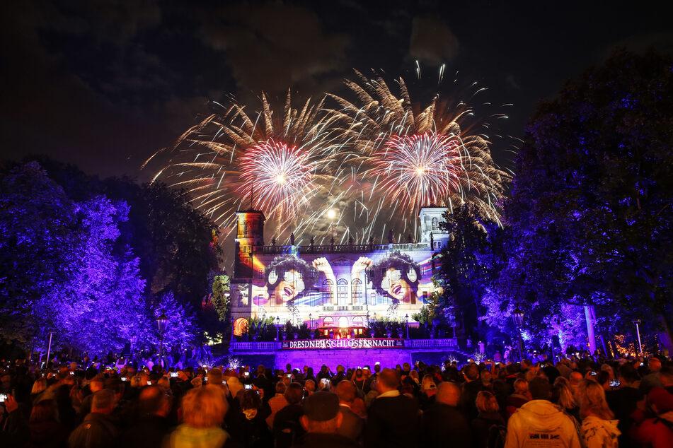 Die wechselnd illuminierte Fassade von Schloss Albrechtsberg und das Feuerwerk gehören zu den Highlights der Schlössernacht.
