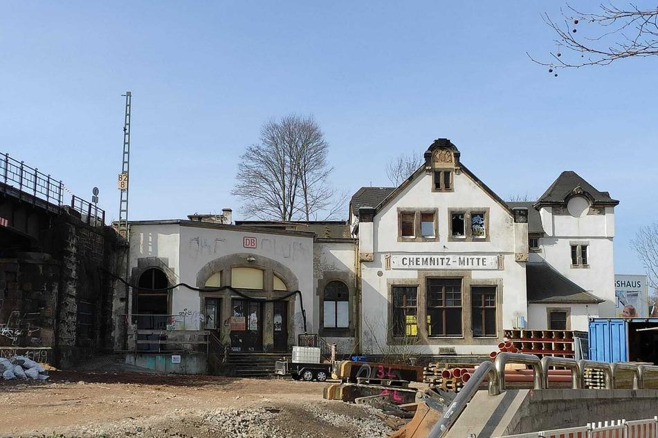 Kein Augenschmaus: Der marode Bahnhof Mitte in Chemnitz. Seit Montag hat er ausgedient.
