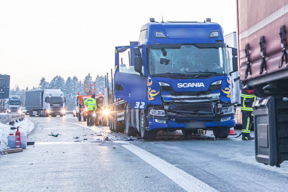 Nach Lkw-Karambolage auf A72: Ein Verletzter und 61.000 Euro Schaden