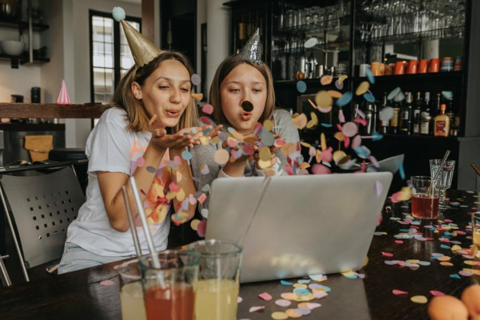 2020/21 wird Fasching von den Karnevalisten notgedrungen neu erfunden - als Netzknaller für alle, die daheim feiern wollen.