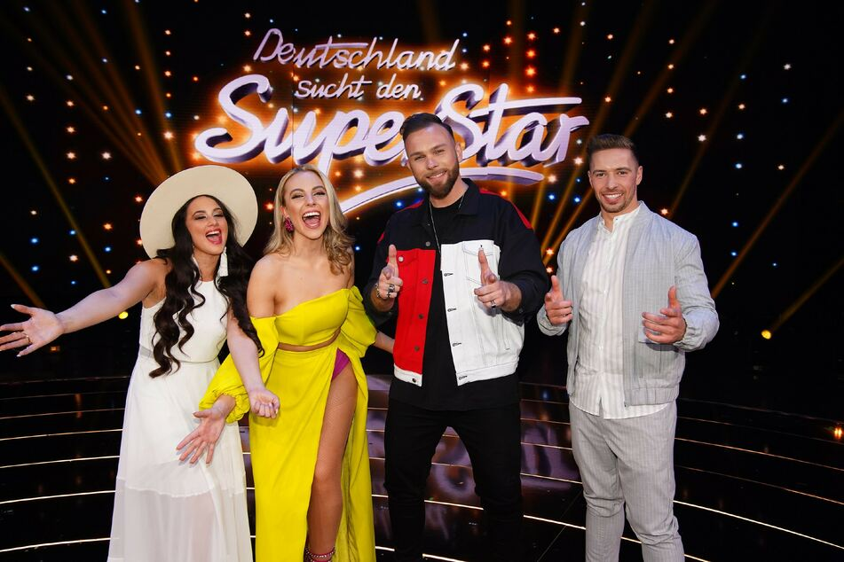 "Die vier ""DSDS""-Finalisten. Chiara D'Amico, Paulina Wagner, Joshua Tappe und Ramon Kaselowsky-Roselly."