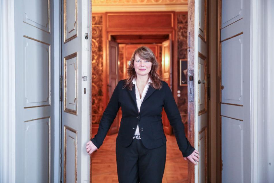 Schlossherrin Dr. Dominique Fliegler (53) hat die Ausstellung schweren Herzens abgesagt.