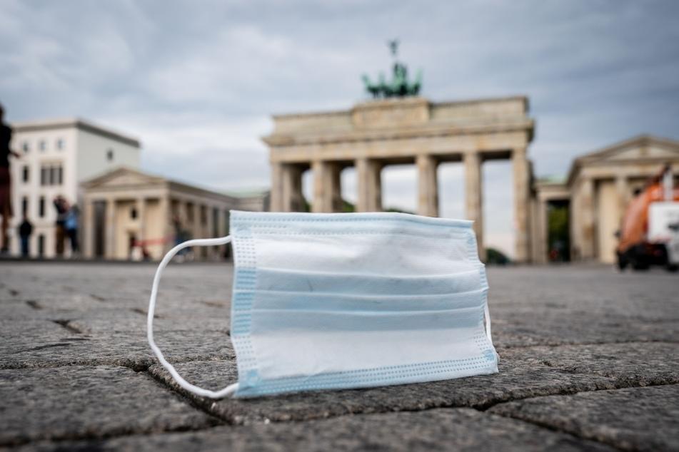 Eine Berliner Corona-Ampel ist auf Rot gesprungen (Symbolbild).