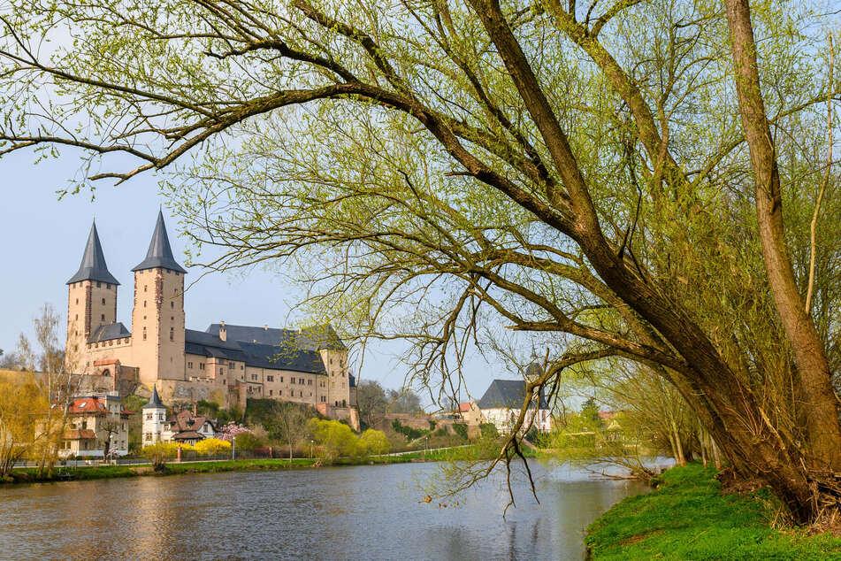 """Bei einer Führung lernt Ihr Schloss Rochlitz """"Vom Keller bis zum Dachboden"""" kennen."""