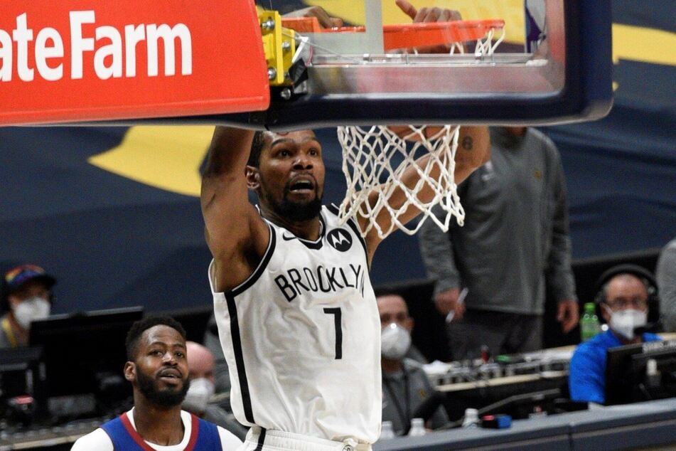Nets forward Kevin Durant led his team to 125-119 win over the Nuggets on Saturday night
