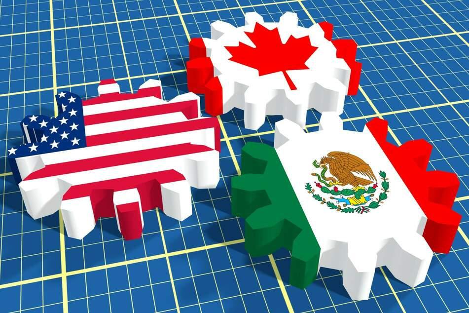 The US announced it will reopen open its Mexico and Canada land border crossings to vaccinated international travelers beginning in early November.