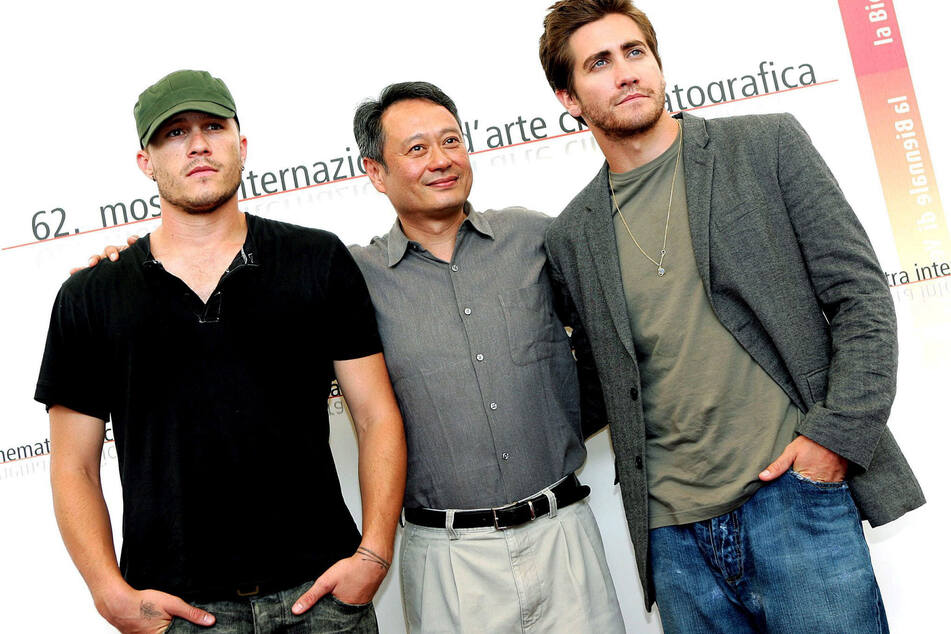 Heath Ledger (links) mit Jake Gyllenhaal (rechts) mit Regisseur Ang Lee.