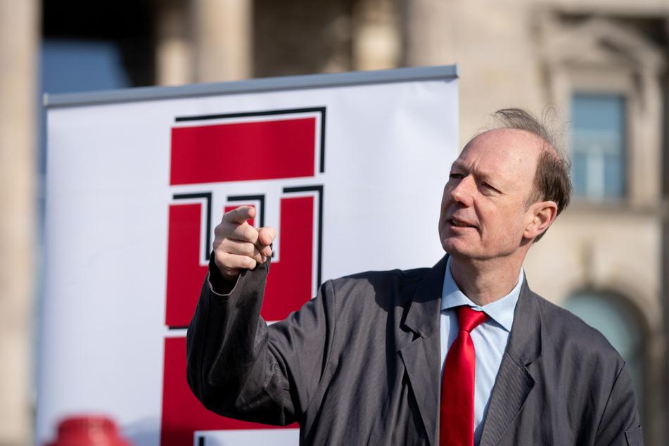 """Martin Sonneborn (55) ist Mitglied des Europäischen Parlaments und Bundesvorsitzender von """"Die PARTEI""""."""