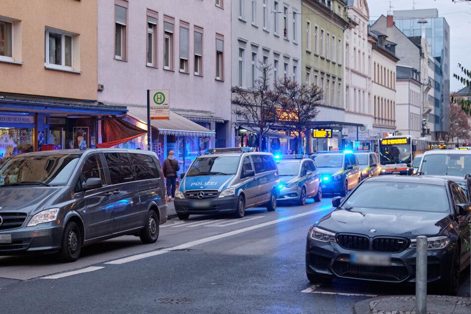 Nachbarschaftsstreit eskaliert: Mann (41) mit Messer schwer verletzt