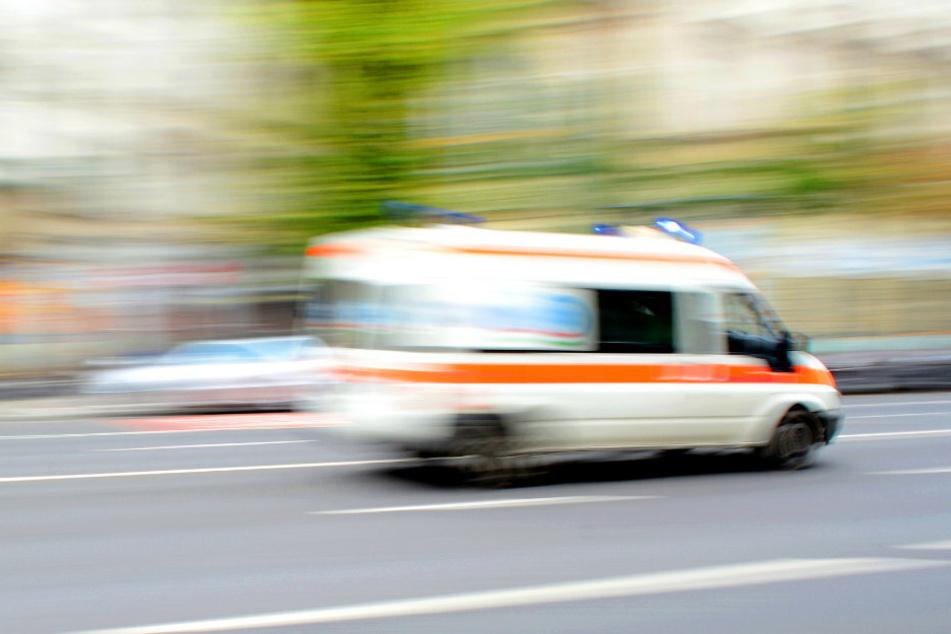 Berlin: Rentner (80) fährt Mutter und Kind auf Fahrrädern an: Krankenhaus!