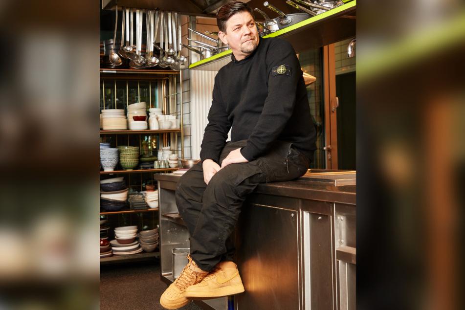 Der 49-Jährige feiert seinen 50. Geburtstag mit einer riesigen Online-Kochparty.