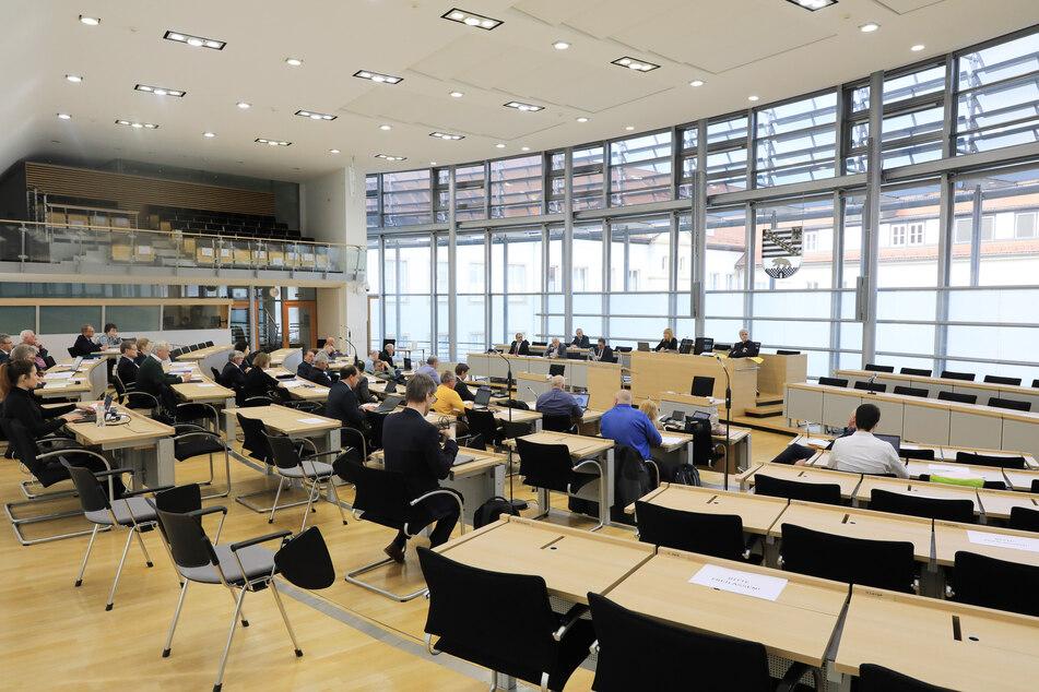 Der Finanzausschuss des sächsischen Landtages hat Gelder für die Corona-Hilfe freigegeben.