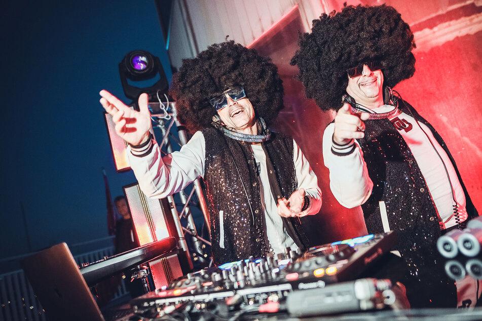 "TAG24 präsentiert: Dresdner DJ-Duo ""Disco Dice"" spielt live House-Musik-Set"
