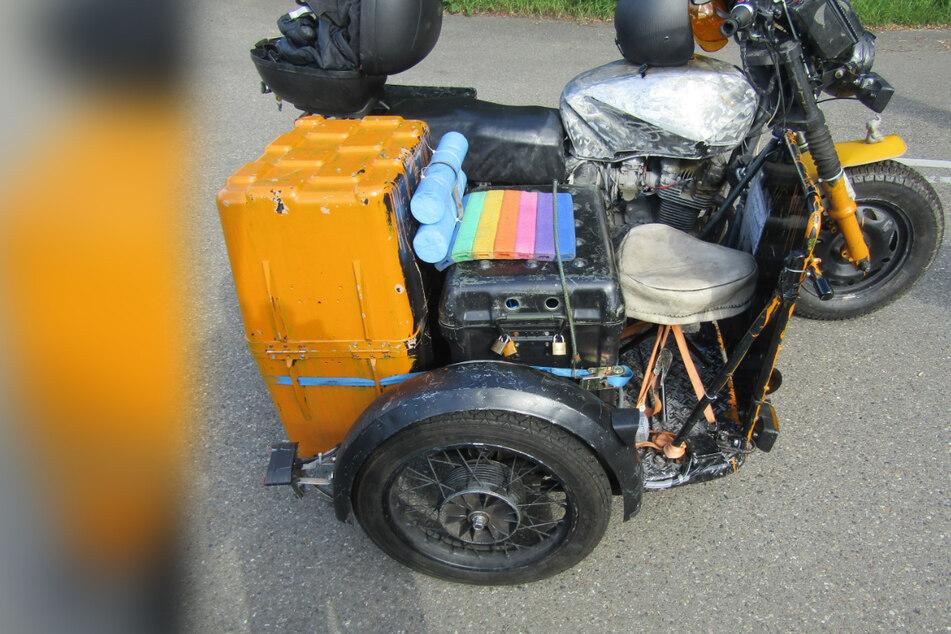 Wie im Zirkus: Mann baut sein Motorrad zur gefährlichen Familien-Kutsche um
