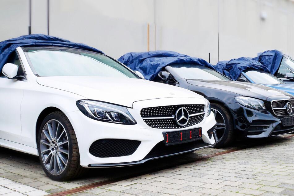 Das Hessische Landeskriminalamt veröffentlichte ein Foto, welches die beschlagnahmten Luxus-Autos aus Hessen zeigt.
