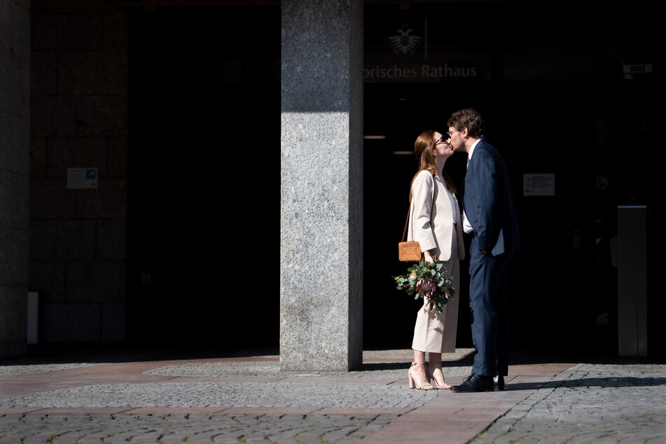 Köln: Heiraten in der Corona-Krise: Ehepaare durchleben erste schwere Prüfung!